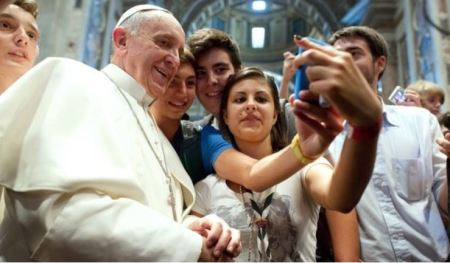 Picture of Pope Francis selfie